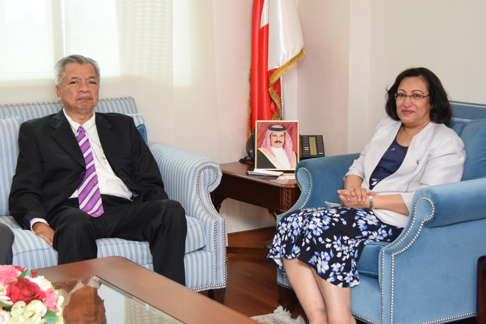 cucms-health-minister-meets-malaysian delegation