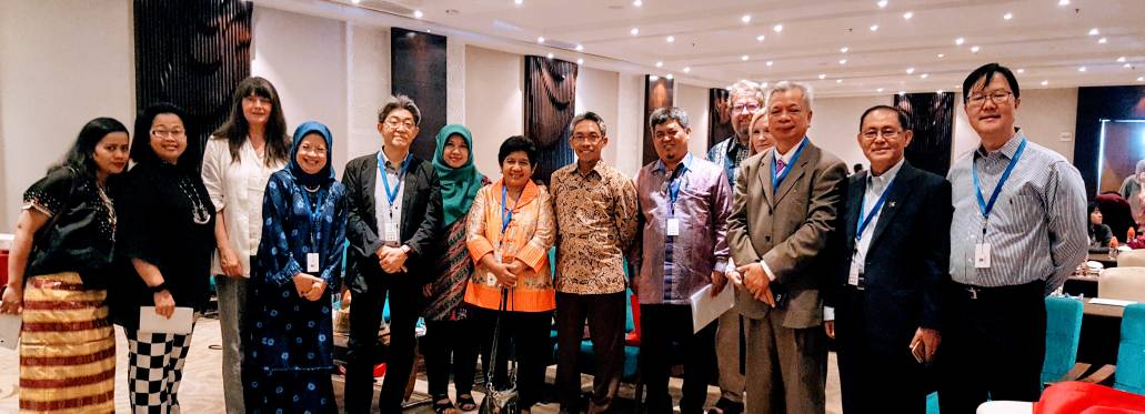 President of CUCMS, Prof. Dato' Dr. Mohammad Abdul Razak with other Keynote Speakers.